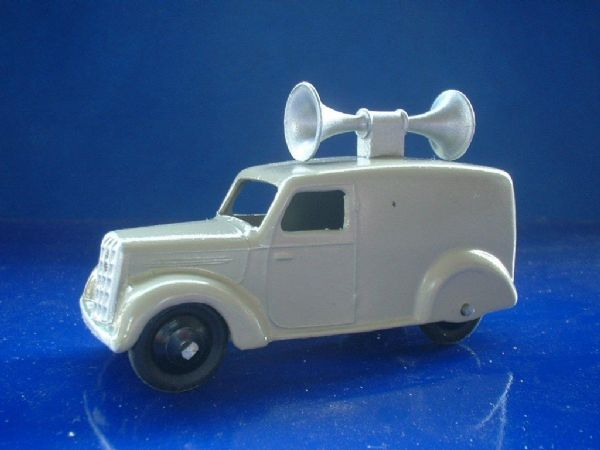 A DINKY TOYS COPY MODEL 34C / 492 LOUDSPEAKER  LOUD SPEAKER VAN ( Grey )
